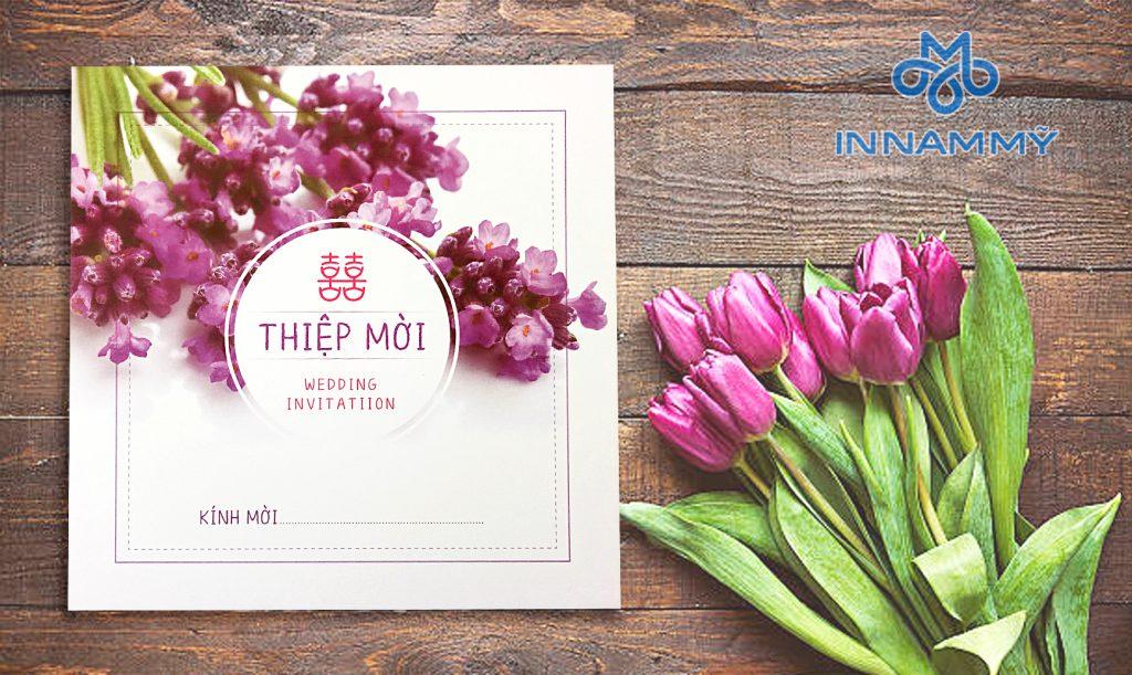 Mẫu thiệp cưới mẫu hoa tím 2018